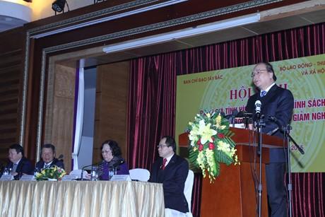 xuat-khau-lao-dong-huyen-ngheo-2425