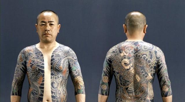 Thành viên các băng đảng Yakuza ở Nhật Bản.