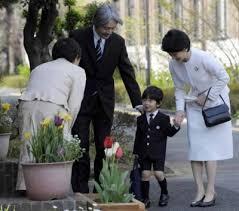 Người Nhật dạy conccách cúi chào