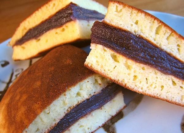 Tên gọi chính của món bánh rán này là Teriyaki
