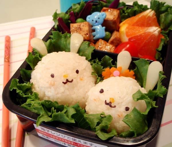Với giới trẻ Việt, Bentou có một nghĩa chung là bữa cơm phong cách Nhật với sự bài trí hài hòa và đẹp mắt.