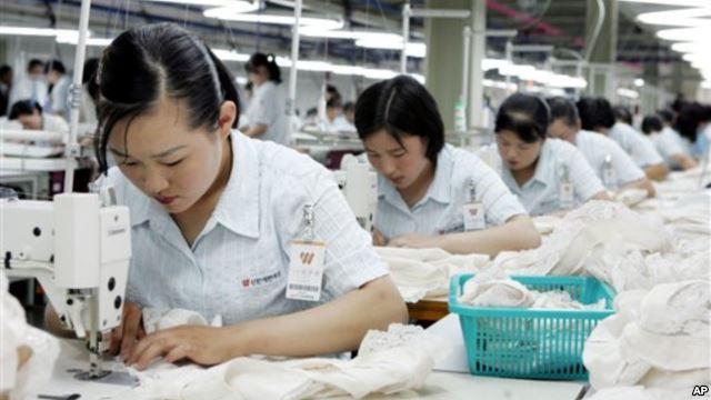 Công nhân làm may mặc tại Nhật Bản