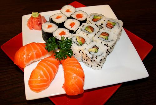 Tuyển 30 nữ thực tập sinh làm sushi tại Nhật Bản