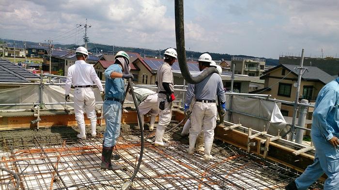 Công nhân xây dựng tại Nhật làm việc trong điều kiện bảo hiểm cao
