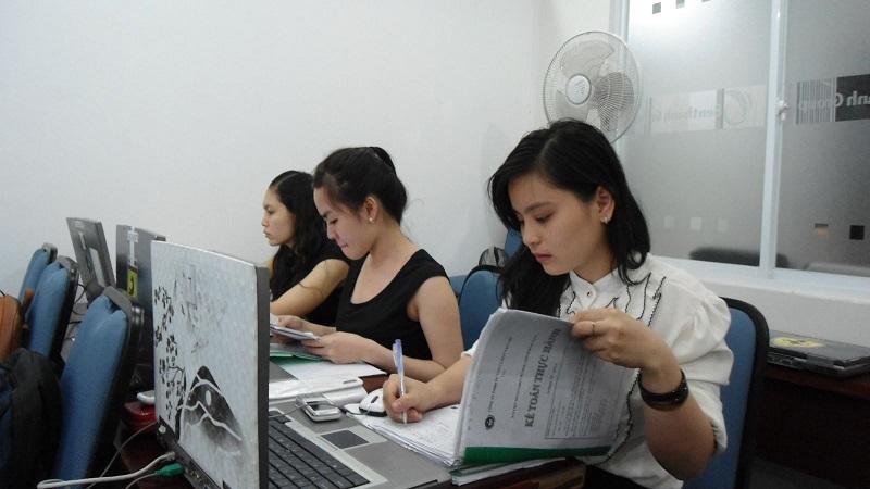 Học kế toán không xin được việc - lương thấp đi XKLD Nhật