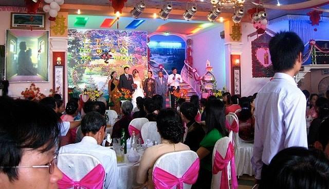 Trang phục cưới ở Việt Nam