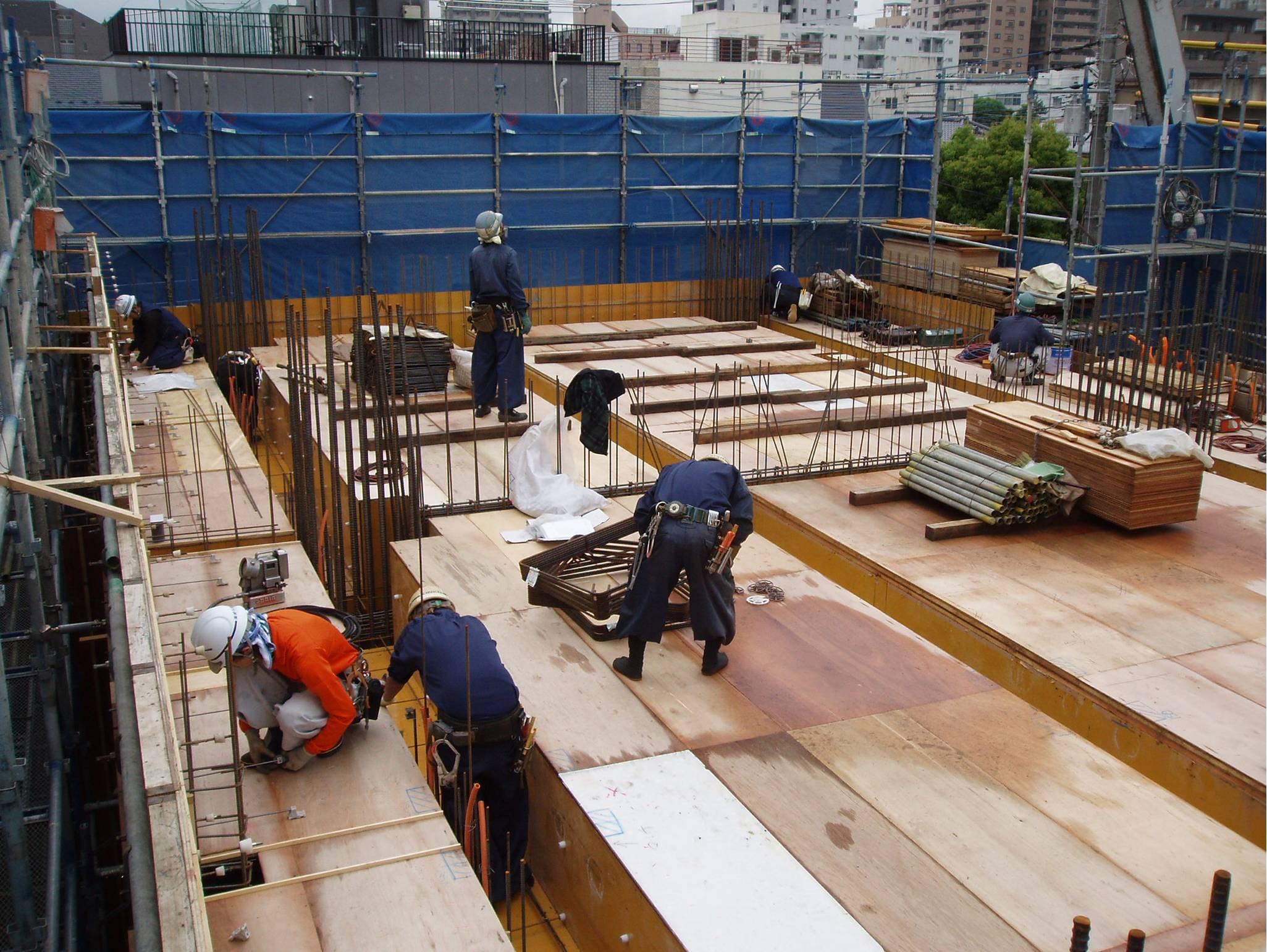 Thực tập sinh làm việc đơn hàng cốp pha tại Nhật Bản