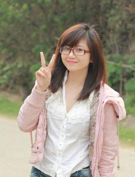 ảnh Thu Hằng - Hằng nói: Hiện nay em mới có chứng chỉ tiếng Nhật trên N3 mà thôi, em đang làm thủ tục là ứng viên để Mitsubishicho e Sang Nhật học tiếp lấy N1