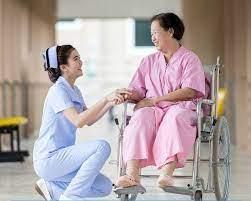 Nhu cầu ngành điều dưỡng, hộ lý của thực tập sinh Việt Nam ngày càng lớn