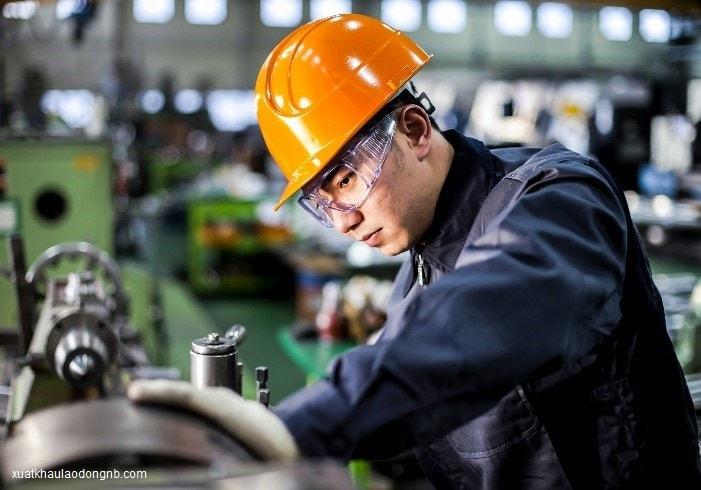 Kỹ sư cơ khí tại Nhật Bản luôn có cơ hội kiếm được việc trong ngành lương khủng