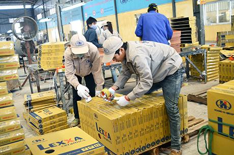 Đóng gói sản phẩm tại Nhât Bản