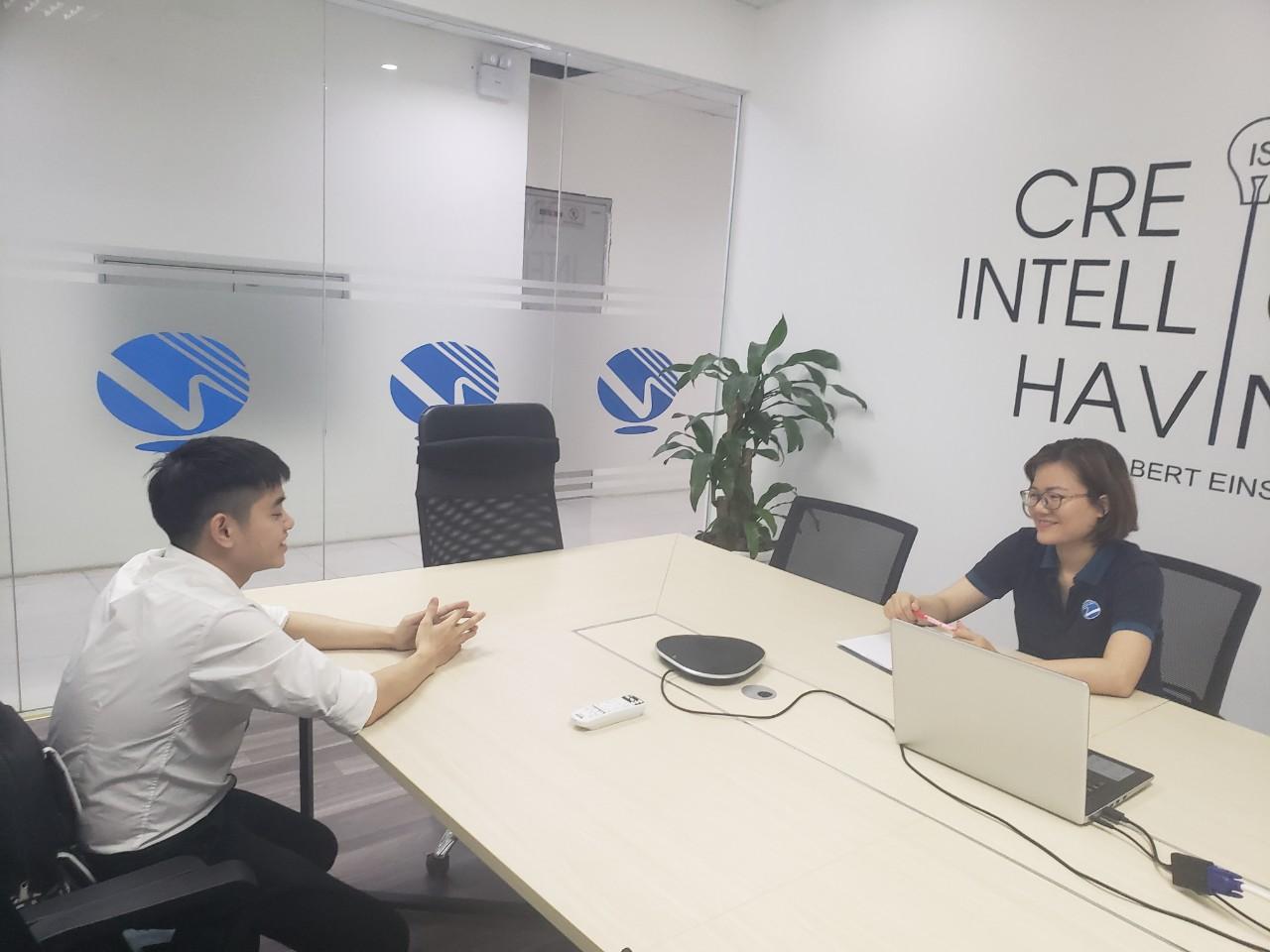 Nới lỏng tiêu chí vào thi trong việc tuyển chọn lao động Việt