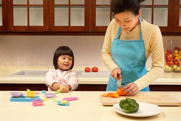 Phụ nữ Nhật Bản đa phần ở nhà nội trợ và chăm sóc gia đình